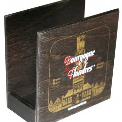 Wooden coaster holder with decoration